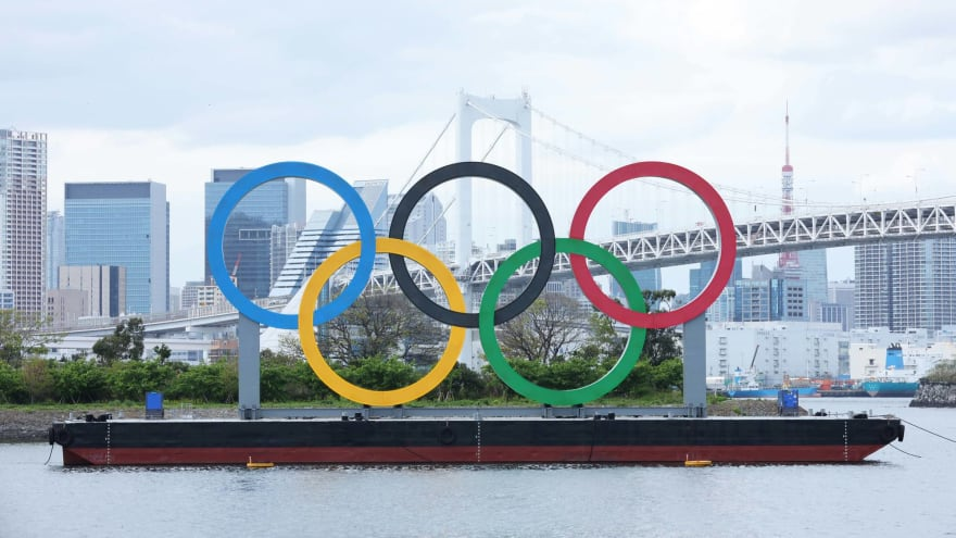Tokyo residents protest Olympics amid state of emergency