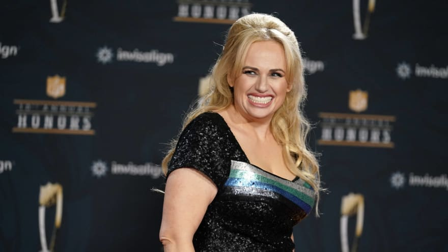 Rebel Wilson shows off commemorative ring for 'Bridesmaids' 10th anniversary