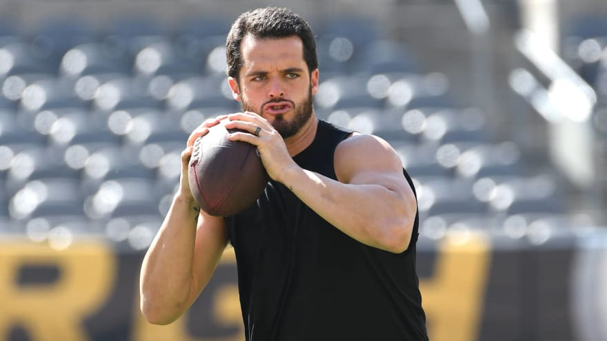Raiders QB Derek Carr 'good to go' after ankle scare