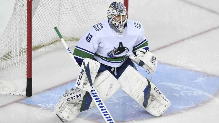 Report: Canucks expected to buy out Braden Holtby