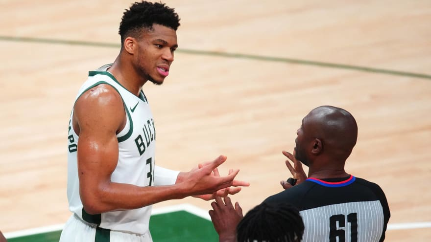 Officials nearly spoil Game 4 as Bucks beat Suns, tie series