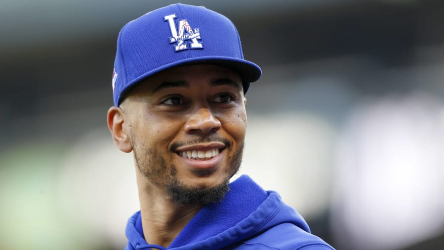 Dodgers' Betts out vs. Mariners, but X-rays on arm negative