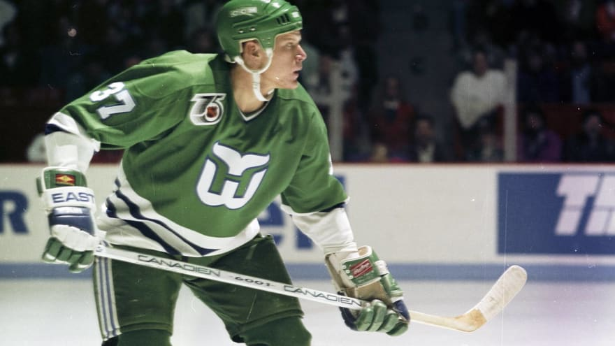 The best uniforms from defunct sports teams