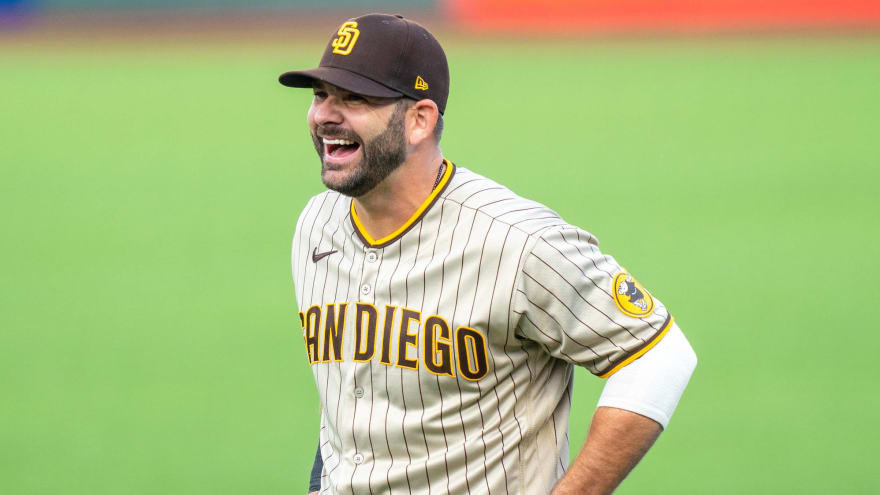 Athletics to sign one-time Mitch Moreland to $2.25M deal