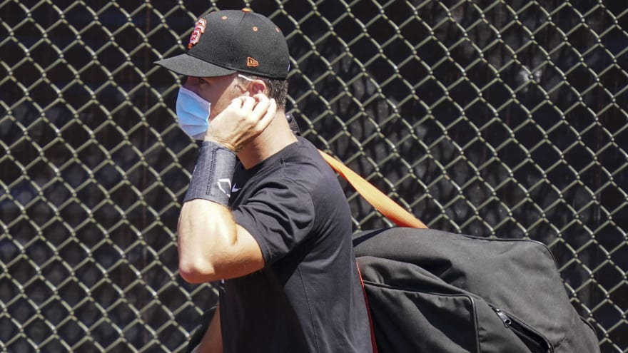 Citing his family situation, Giants catcher Buster Posey opts out of 2020 Season