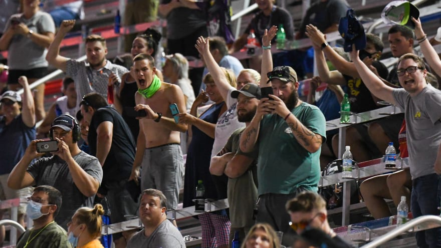 Over 20,000 fans attend NASCAR All-Star Race