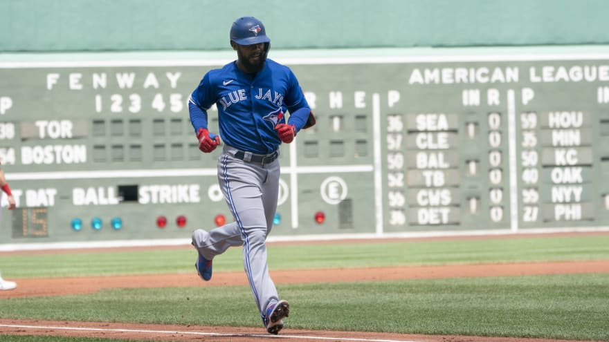 Blue Jays blast eight home runs in rout of Red Sox