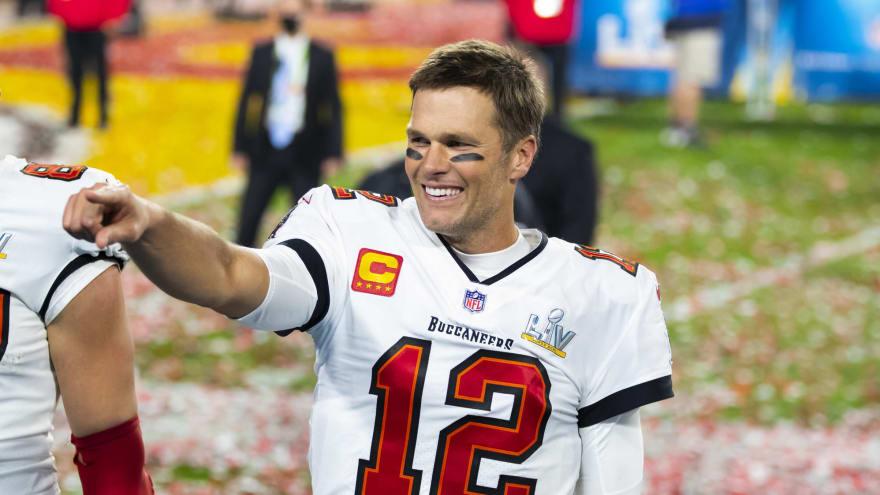 Tom Brady sends great tweet on National High Five Day