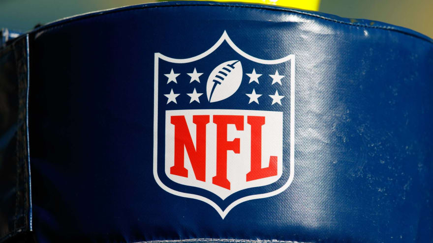 NFL issues memo encouraging players, staff to get vaccinated