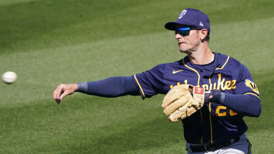 Brewers' Daniel Robertson has funny comment about his bizarre double
