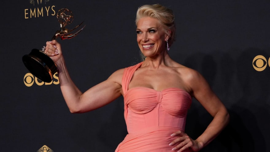 Hannah Waddingham cleverly replies to Seth Rogen mispronouncing her name at Emmys