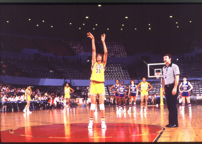 Miller leads USC to repeat (1984)