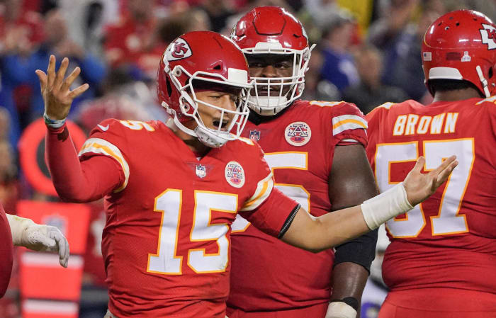 Stripped of flash, Chiefs sloppy in pivotal spot