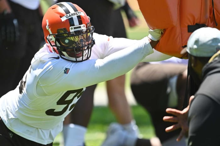 Cleveland Browns: Myles Garrett, DE