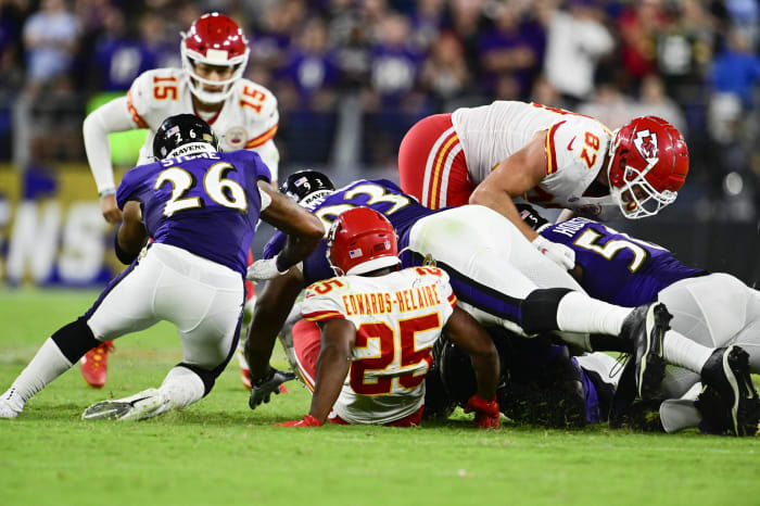Chiefs putting too much on Patrick Mahomes' shoulders