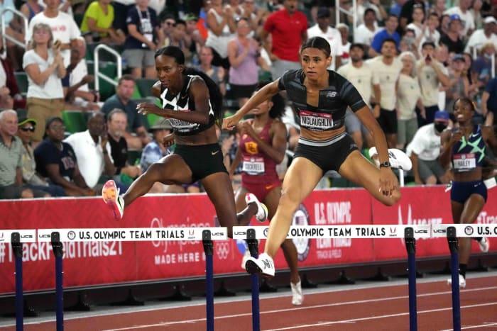 400-meter women's hurdles: Sydney McLaughlin (USA) vs. Dalilah Muhammad (USA)