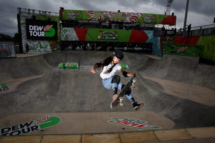 Women's skateboarding: Sky Brown (Great Britain) vs. Kokona Hiraki (Japan)