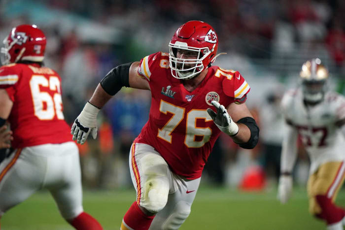 Overpaid offensive guard: Laurent Duvernay-Tardif, Chiefs