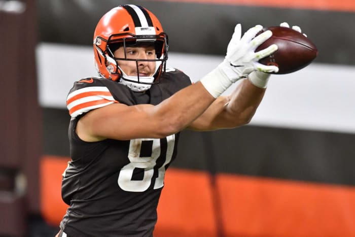 Overpaid tight end: Austin Hooper, Browns