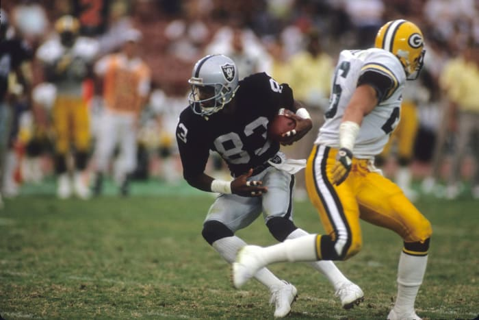 Raiders add another wideout in Bears' Willie Gault