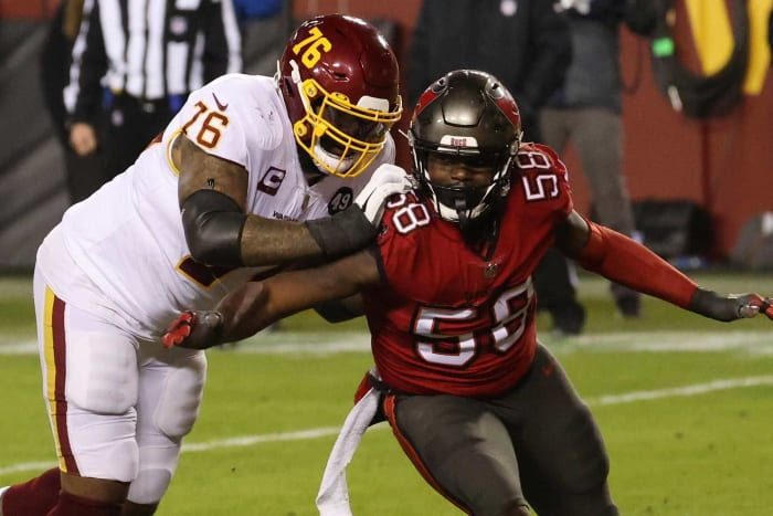 Tampa Bay Buccaneers: Re-signed OLB Shaquil Barrett