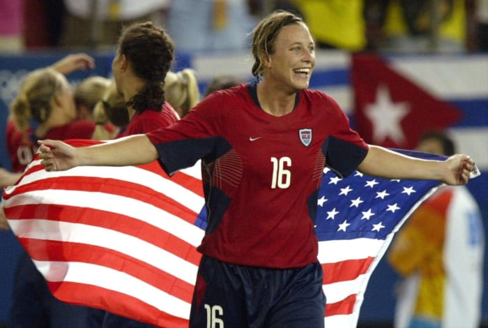 USWNT digs deep for gold (2004)