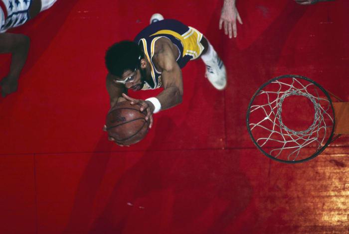 Abdul-Jabbar wins MVP in first season in LA