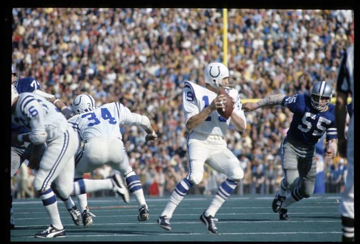 Super Bowl V: Johnny Unitas, Baltimore Colts, and Craig Morton, Dallas Cowboys