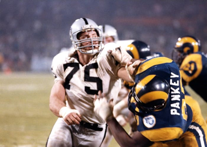 Howie Long and Greg Townsend (feat. Bill Pickel)