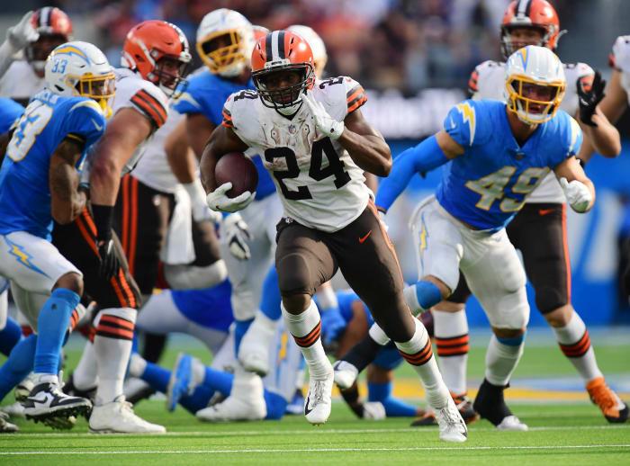 Amid historic loss, Browns ground troops dominate