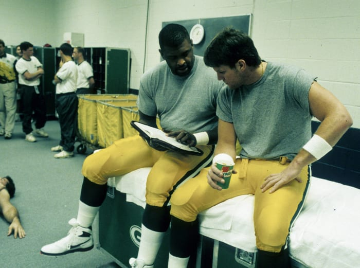 Favre, Packers end Cowboys-49ers rivalry