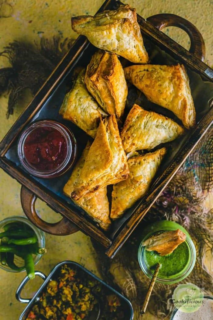 Vegetable puff pastry samosa