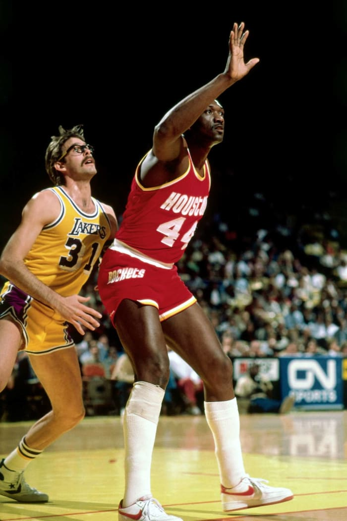 Rockets surprise the Lakers (1981)