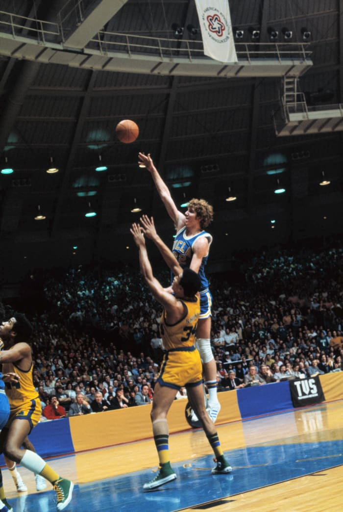 Notre Dame ends UCLA's streak