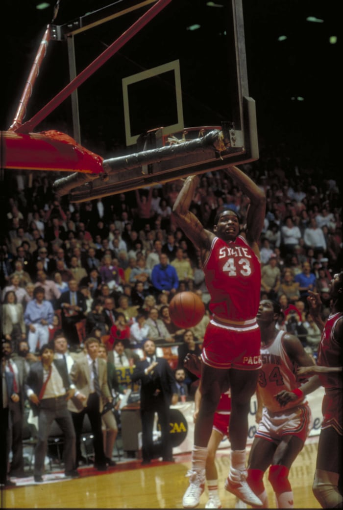 Wolfpack's Charles turns air ball into title (1983)