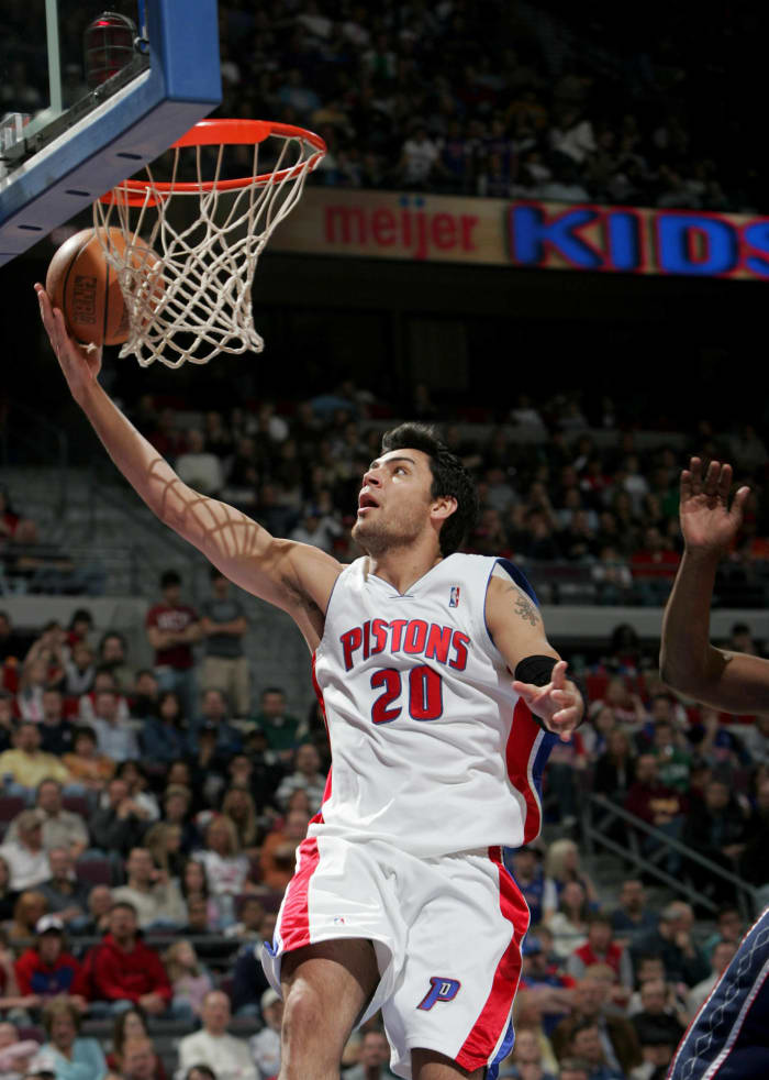 Detroit Pistons - Carlos Delfino (25)
