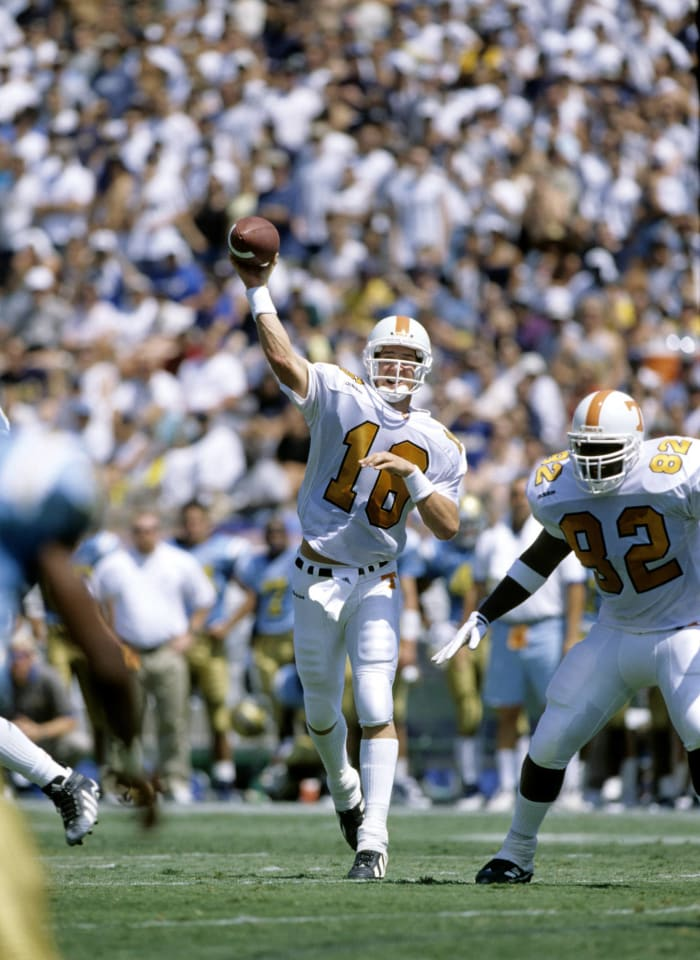 Manning returns for one more season, falls short in the Heisman race