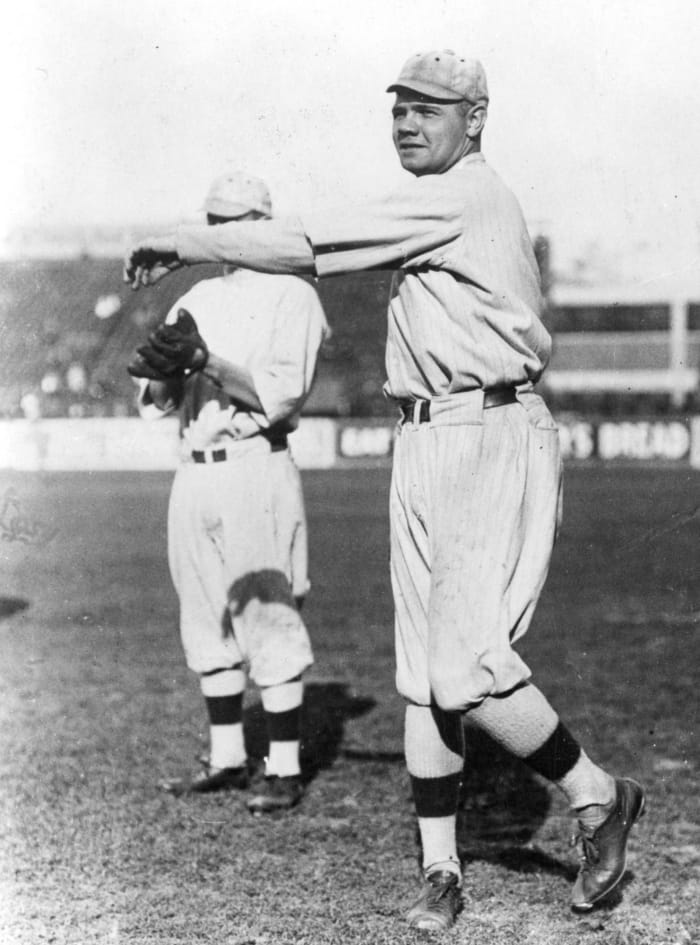 The Babe sets a new home run record