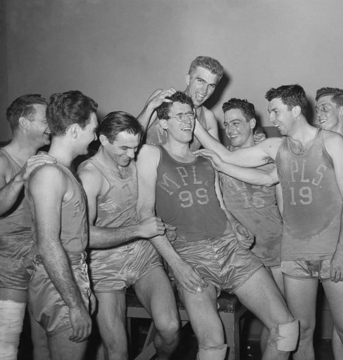 1960: Lakers leave 'Land of 10,000 Lakes' behind