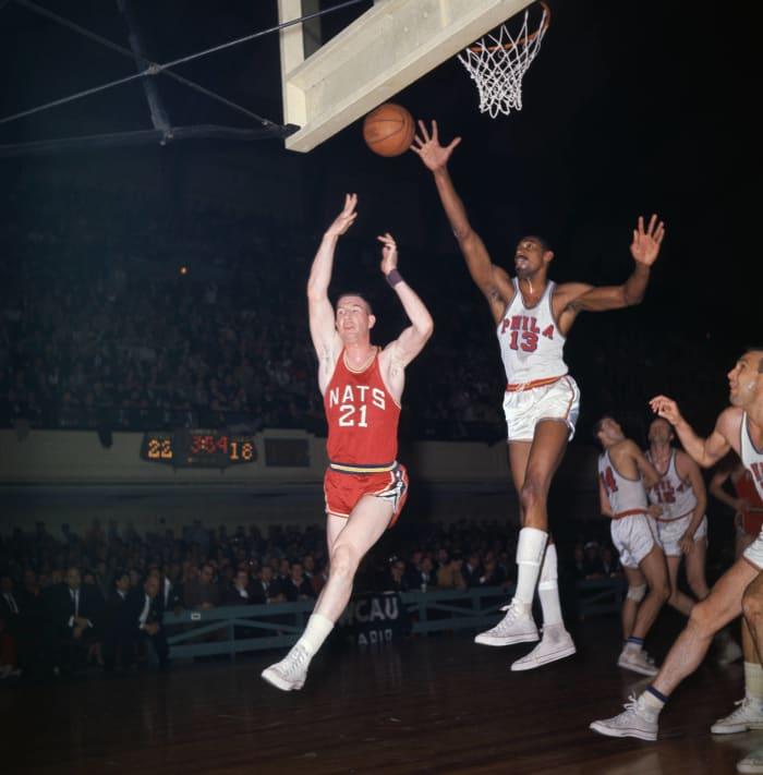 1962: Warriors make cross-country move away from Philadelphia