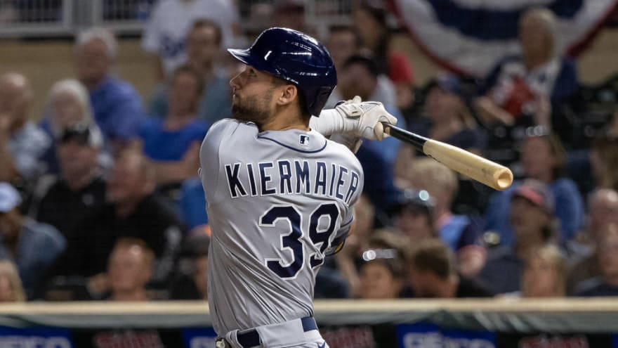 Blue Jays throw at Kevin Kiermaier over card incident