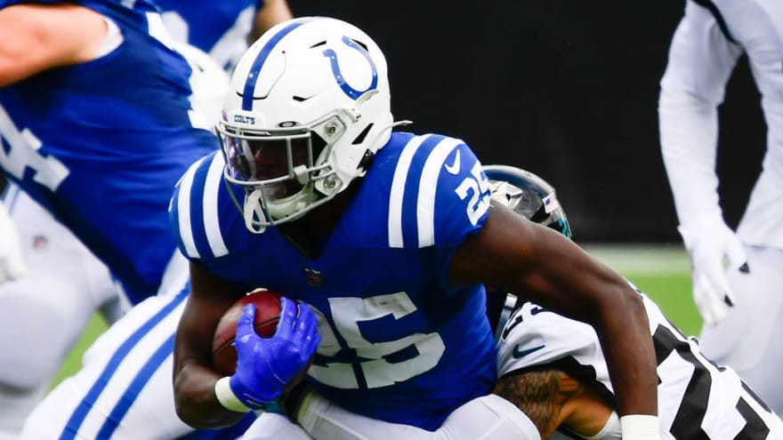 Colts' Marlon Mack carted off field with ankle injury