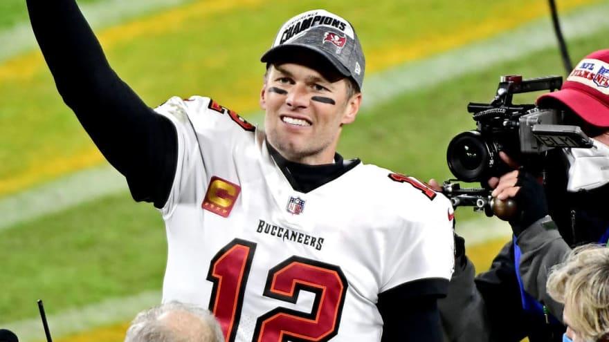 Tom Brady reacts to big showdown with Patriots