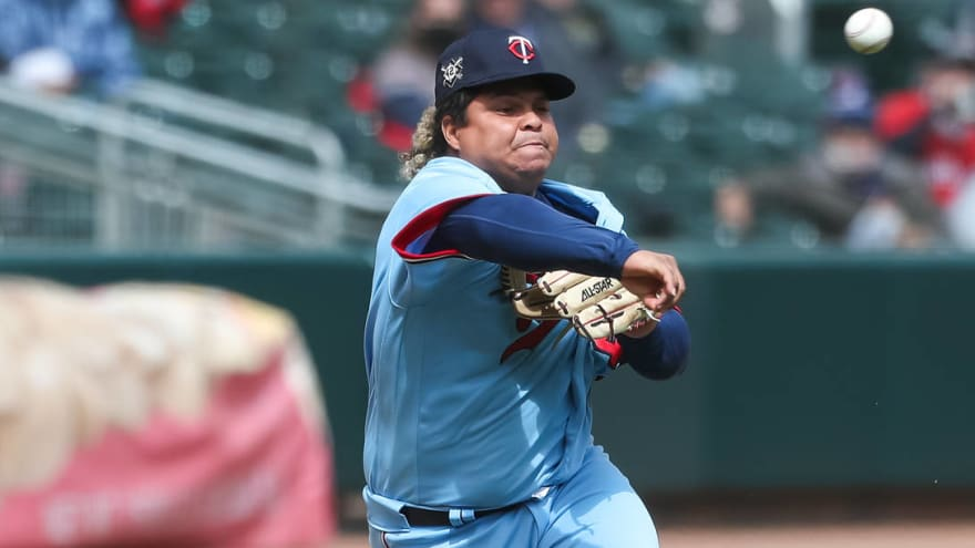 Willians Astudillo throws 46 mph pitches vs. Angels
