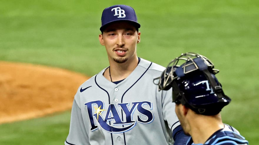Blake Snell traded to Padres in five-player deal with Rays