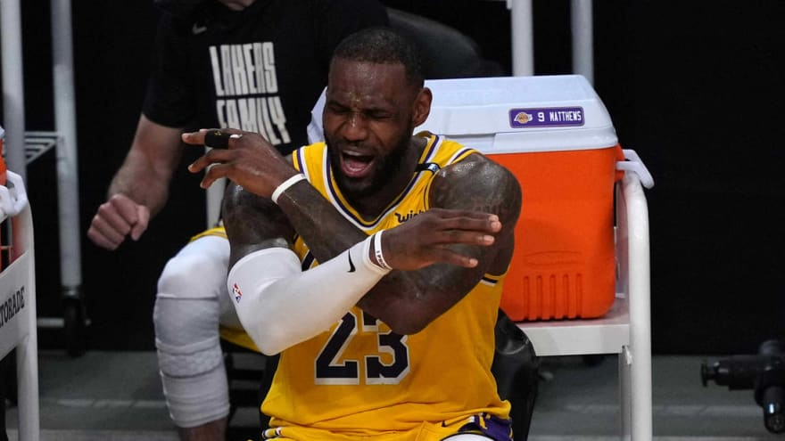 LeBron skips handshakes with Suns after loss