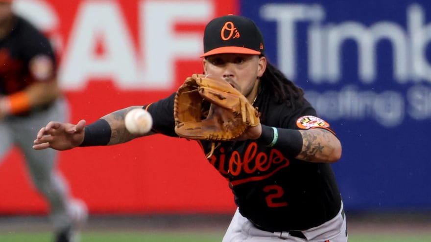 Orioles' Freddy Galvis carted off field with apparent leg injury