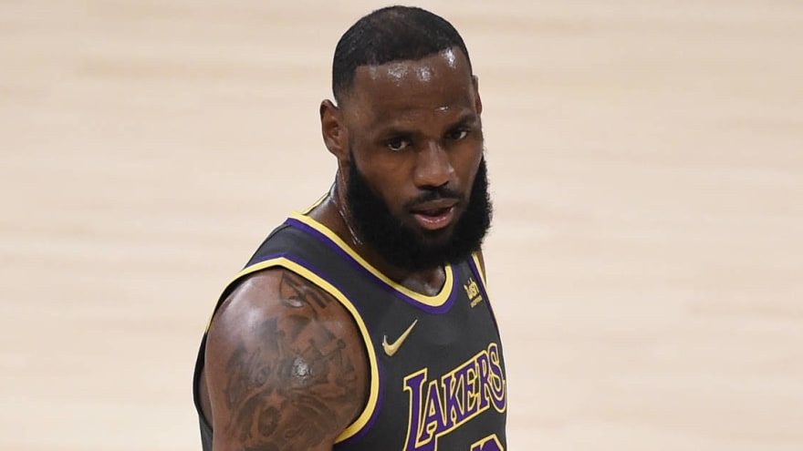 LeBron expected to miss four to six weeks with high-ankle sprain