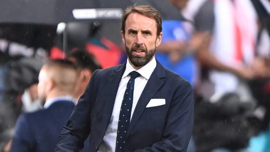 Southgate wants to guide England into 2022 World Cup