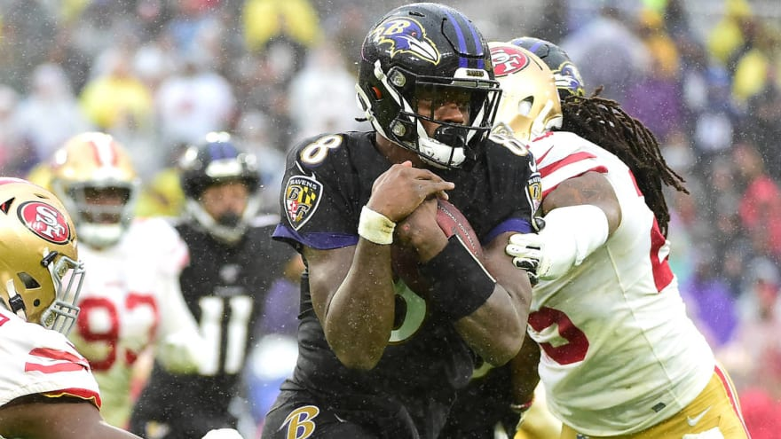 Watch: Lamar Jackson apologized to teammates after first fumble of season